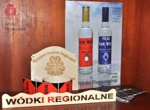 wodki-regionalne-pakiet-startowy-plakat-naklejki-poleczka-ulotki-deska